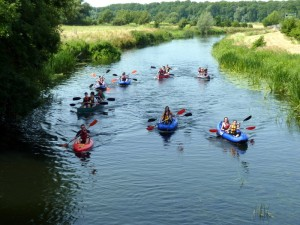 Antler Languages Students kayaking on the River Nene in Oundle