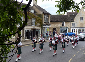 A Scottish marching band in Oundle